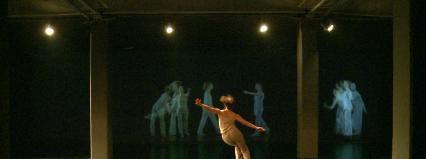 """Scena dla tańca 2013: Ramona Nagabczyńska """"Akumulacja© Trisha Brown"""" w MSN"""
