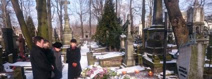 Złożenie wieńców na grobie Witolda Lutosławskiego.