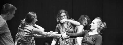 Warszawa/Scena Tańca Studio III:  Warsztaty taneczne dla młodzieży licealnej i gimnazjalnej z Iwoną Olszowską